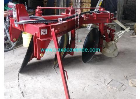 Tractores e implementos agricola