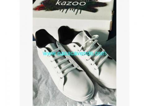 Tennis Kazoo